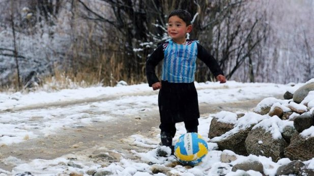 الطفل مرتضى أحمدي