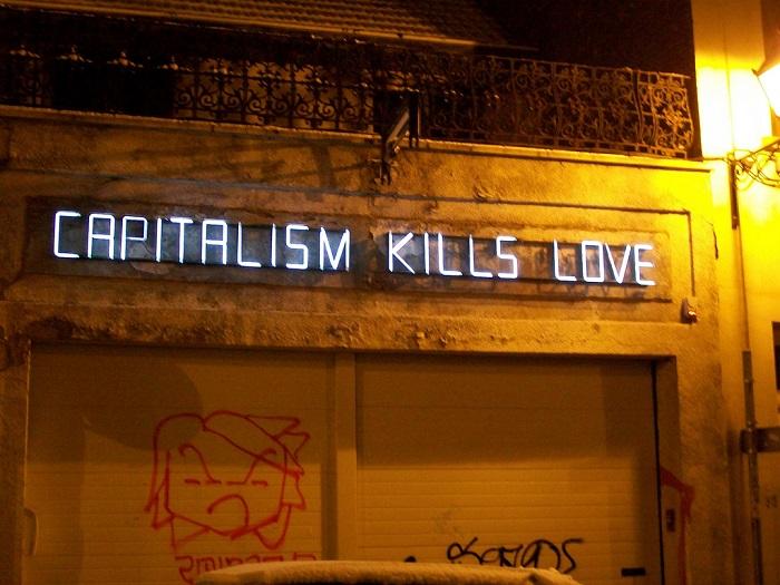 الرأسمالية تقتل الحب