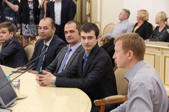 الفائزون بمسابقة مهندس العالم 2015 في روسيا
