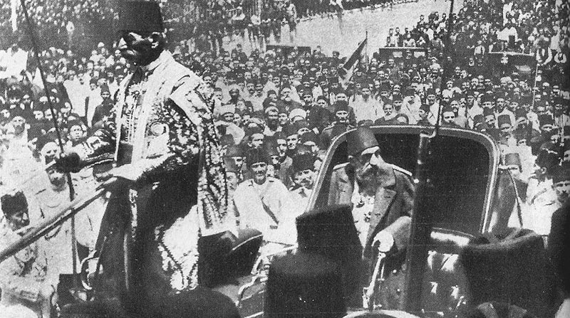 السلطان عبد الحميد الثاني وسط الجماهير