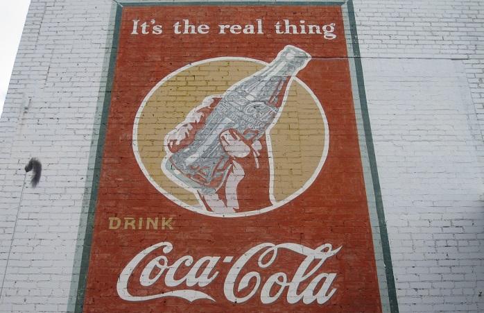 إعلان كوكاكولا في الستينات