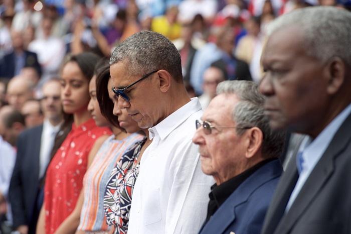 أوباما وكاسترو دقيقة صمت حدادا على أحداث بروكسل الإرهابية