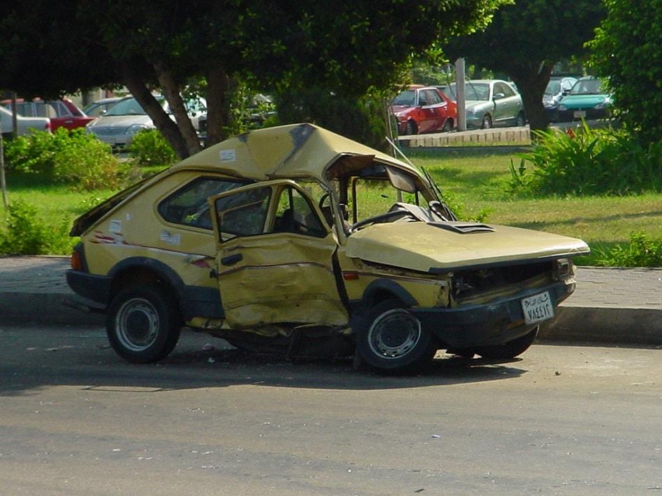 سيارة وقع لها حادث