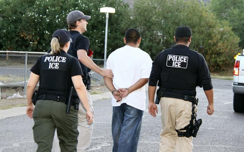 الشرطة الأمريكية تقبض على مهاجر غير شرعي