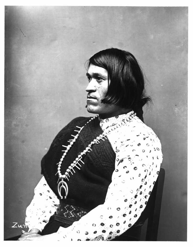 أحد الأفراد المسمين ذو الروحين من السكان الأصليين لأمريكا