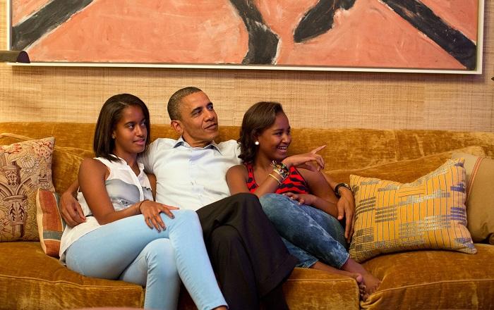 أوباما مع بنتيه