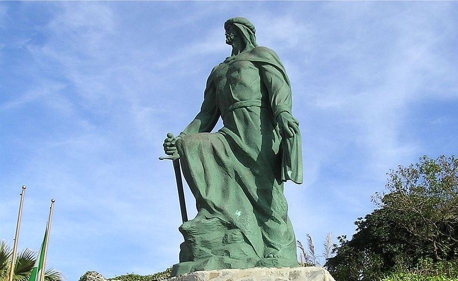 تمثال عبد الرحمن الأول (عبد الرحمن الداخل) بالمنكب في إسبانيا