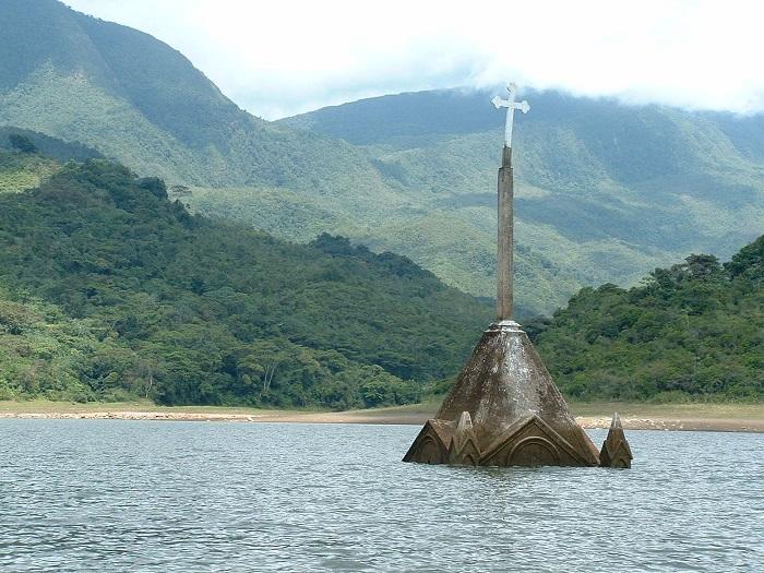 بقايا مدينة بوتوسي الفنزويلية