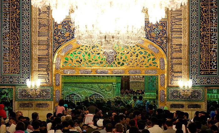 ضريح الإمام رضا في مشهد