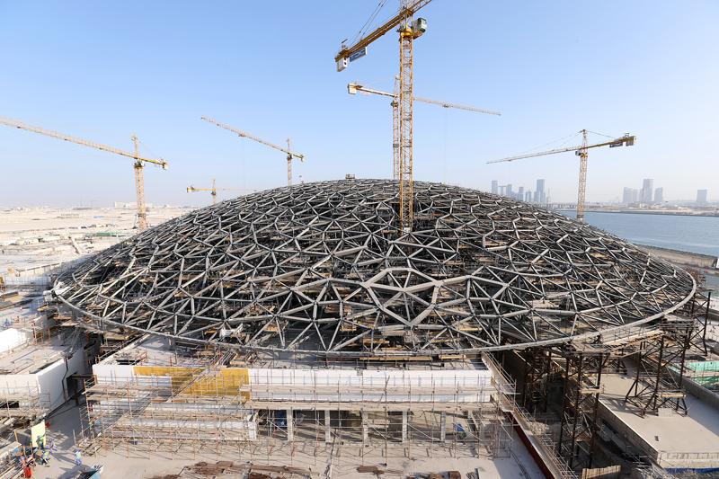 جزء من أعمال تشييد متحف اللوفر أبو ظبي