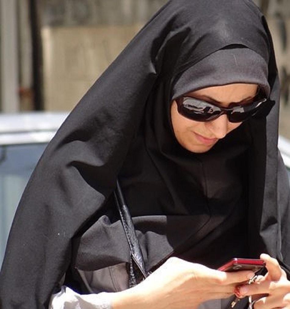 التواصل الاجتماعي في ايران