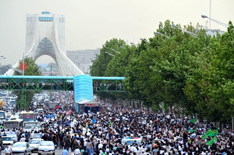 مظاهرة في إيران ضد نظام الانتخابات