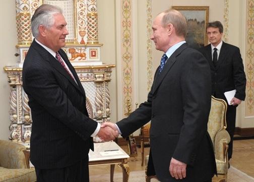 الرئيس الروسي فلاديمير بوتين ووزير الخارجية الجديد ريكس تيلرسون