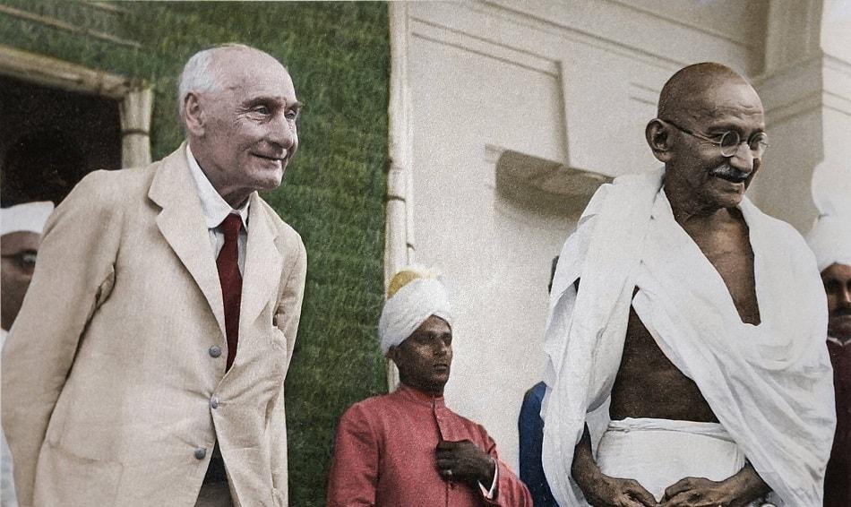 المهاتما غاندي مع وزير الدولة البريطاني لشؤون الهند