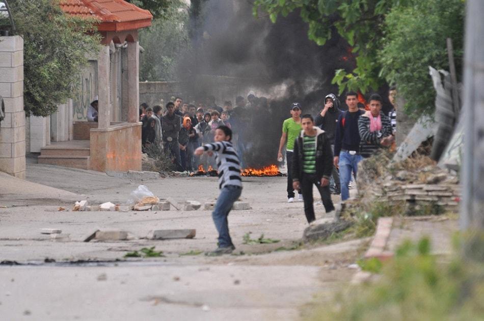 أطفال الحجارة في فلسطين