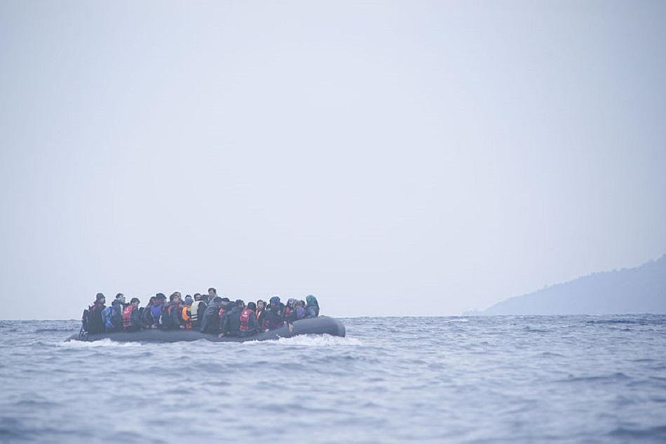 قارب لاجئين سوريين