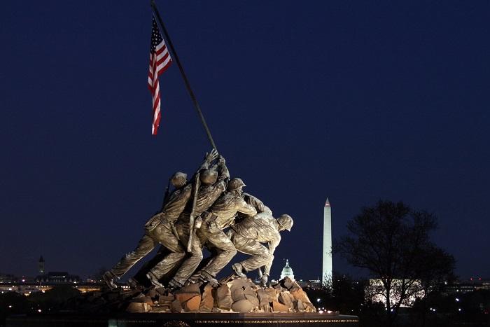 النصب التذكاري لمشاة البحرية الأمريكية
