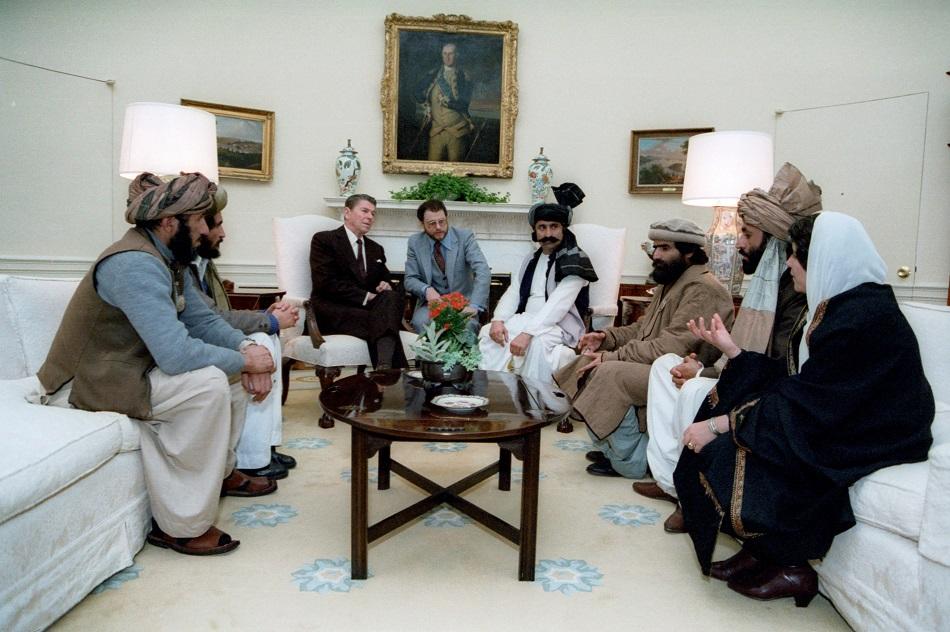 رونالد ريجان مع المجاهدين الأفغان