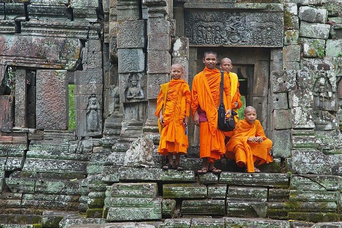 أطفال بوذيون