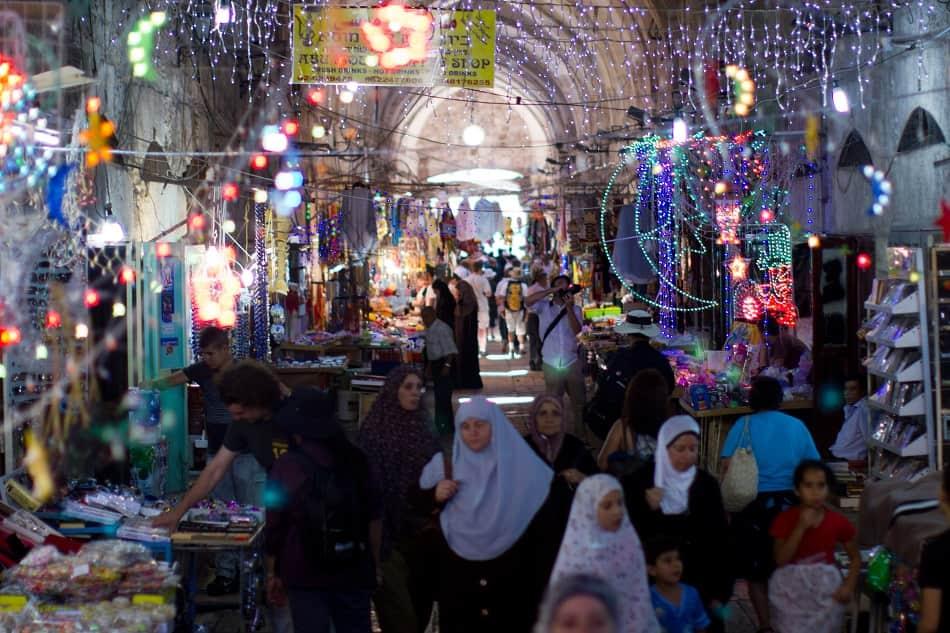 زينة شهر رمضان في القدس بفلسطين