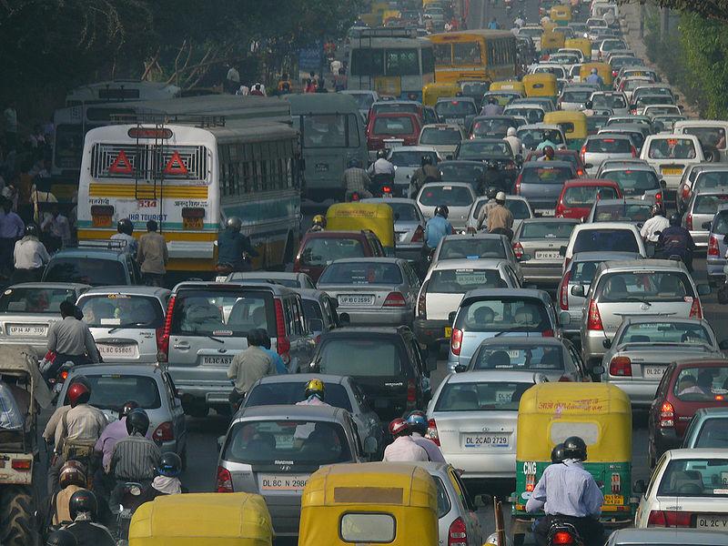 الزحام في مدينة دلهي الهندية
