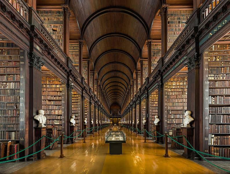مكتبة كلية ترينيتي في آيرلندا