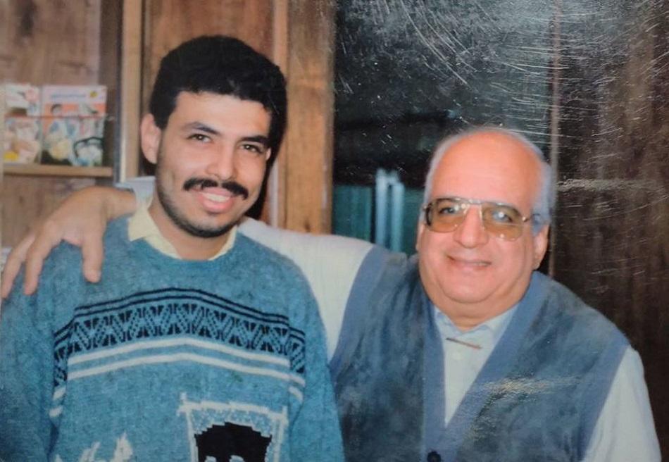 الناشر حمدي مصطفى مع الكاتب خالد الصفتي